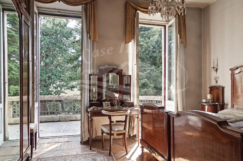 33 imgp8768 case italiane agenzia immobiliare cant for Case italiane immobiliare