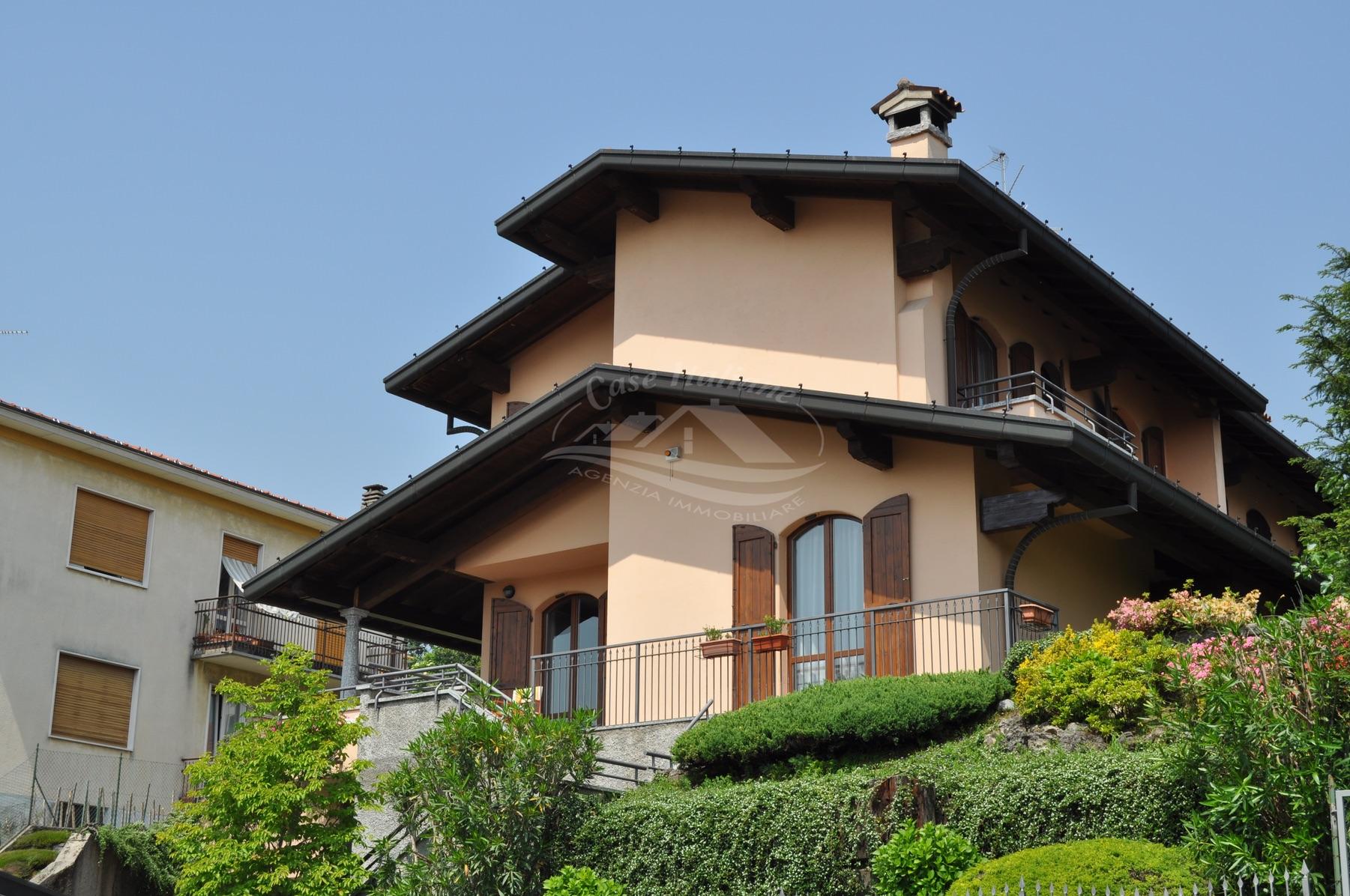 Dsc 3533 case italiane agenzia immobiliare cant for Case italiane immobiliare