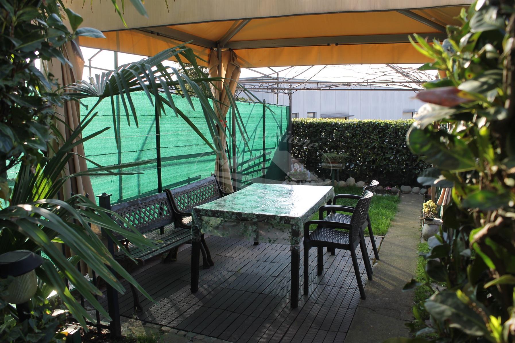 Quadrilocale con giardino a Cantu'