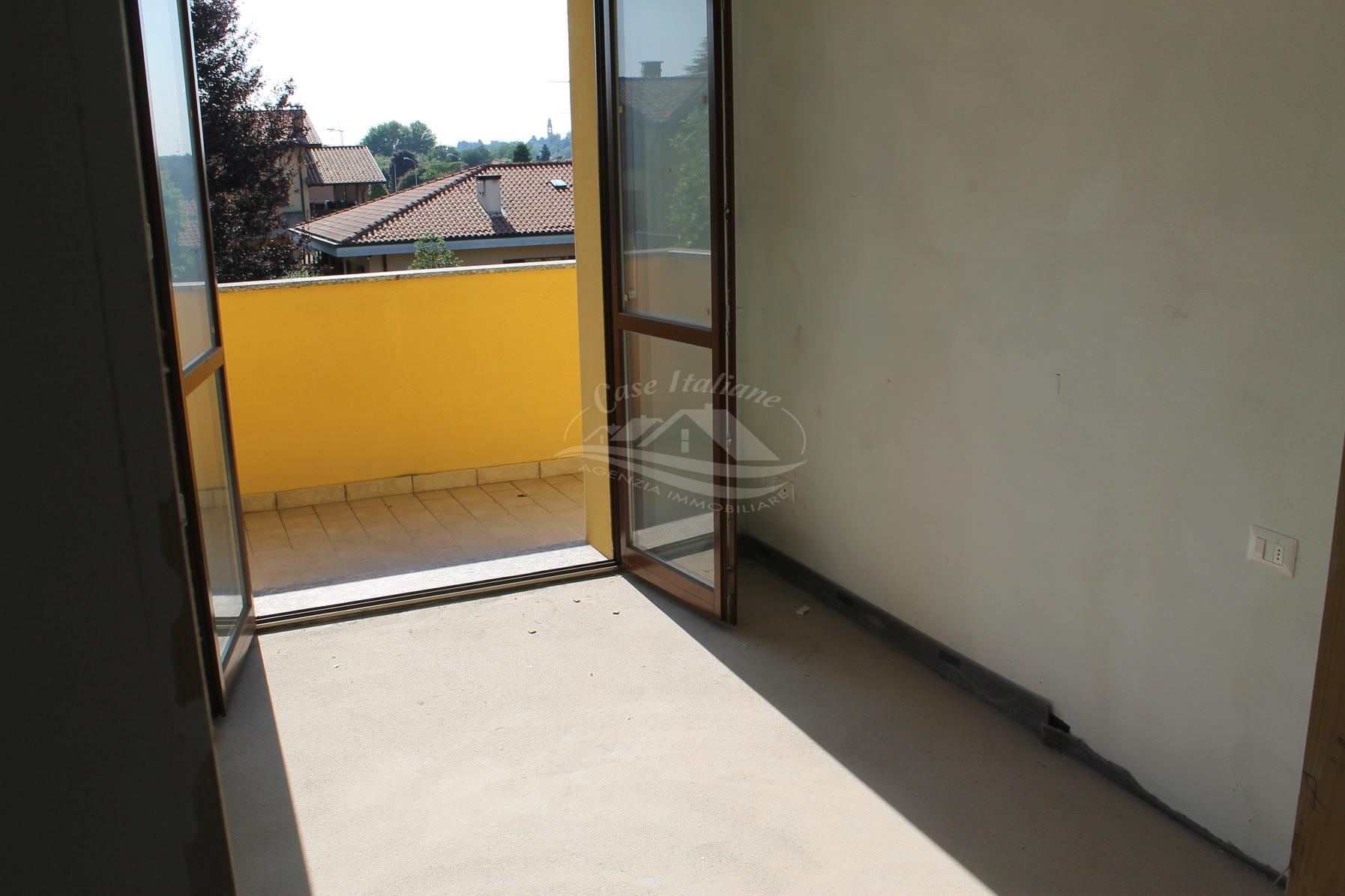 Img 7826 case italiane agenzia immobiliare cant for Case italiane immobiliare
