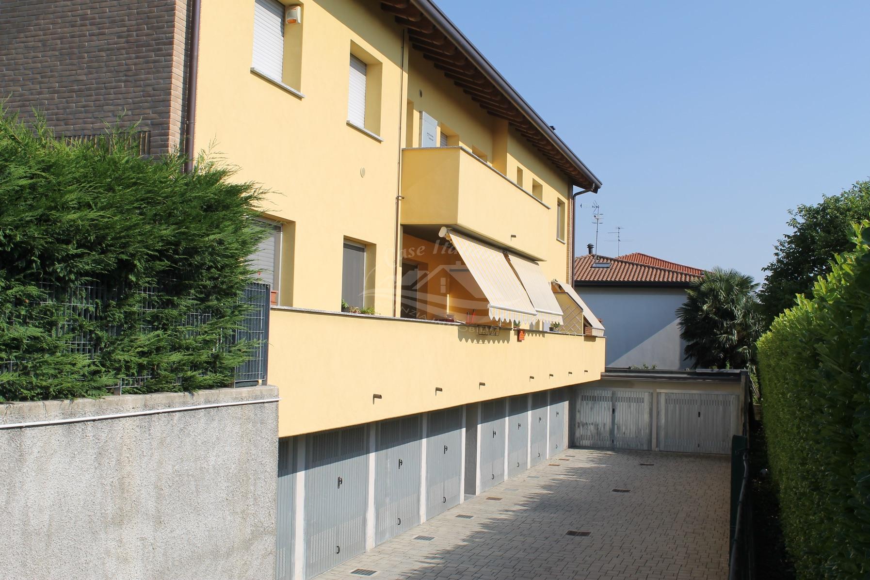 Img 7840 case italiane agenzia immobiliare cant for Case italiane immobiliare