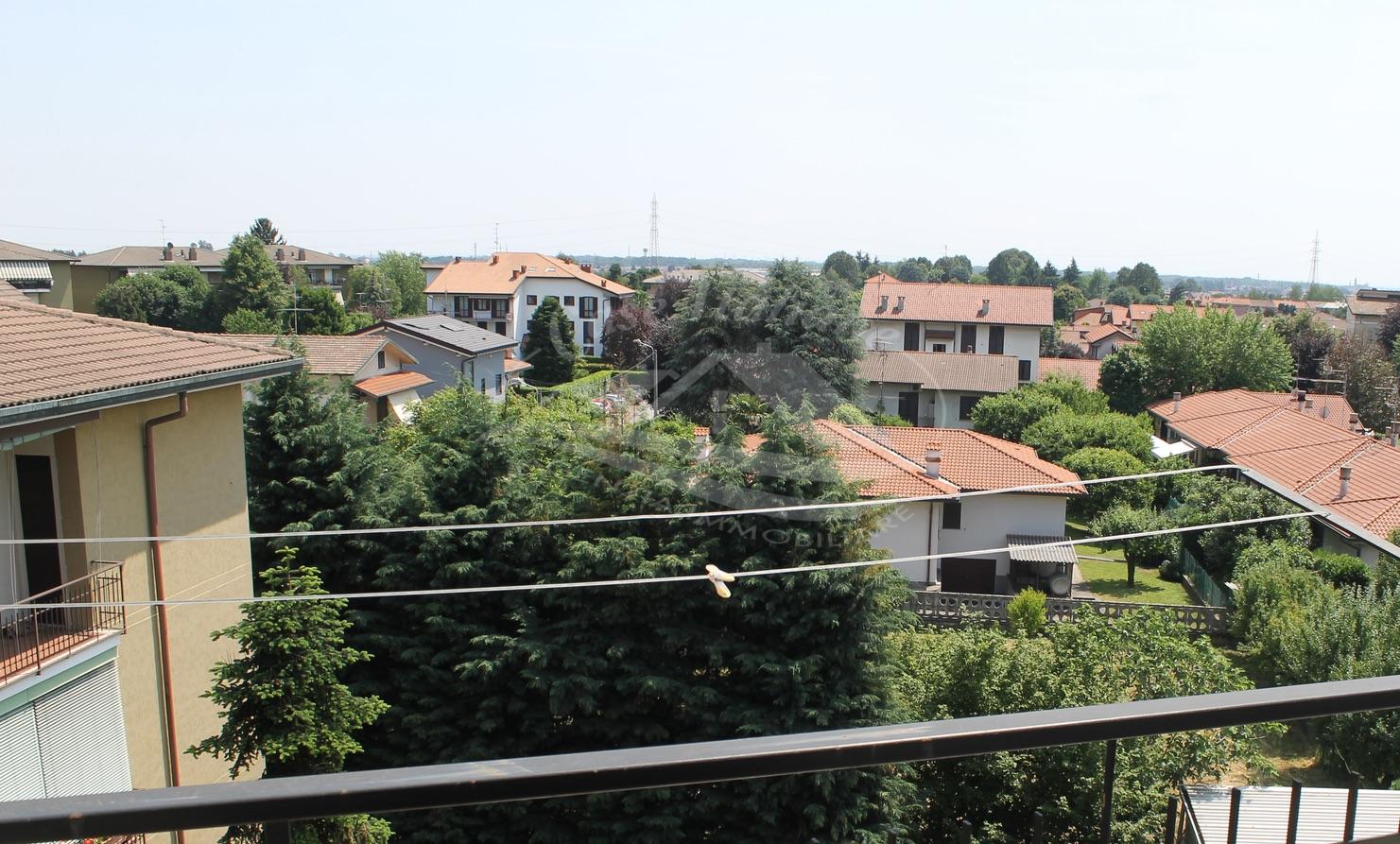 Img 7936 case italiane agenzia immobiliare cant for Case italiane immobiliare