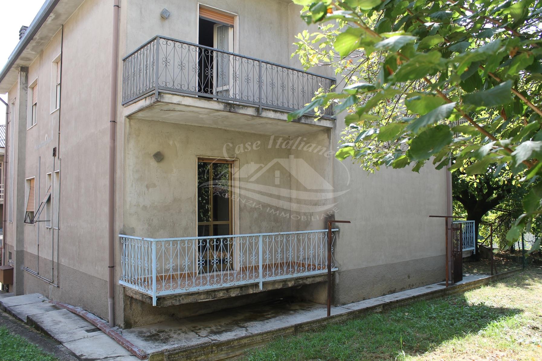 Img 8570 case italiane agenzia immobiliare cant for Case italiane immobiliare