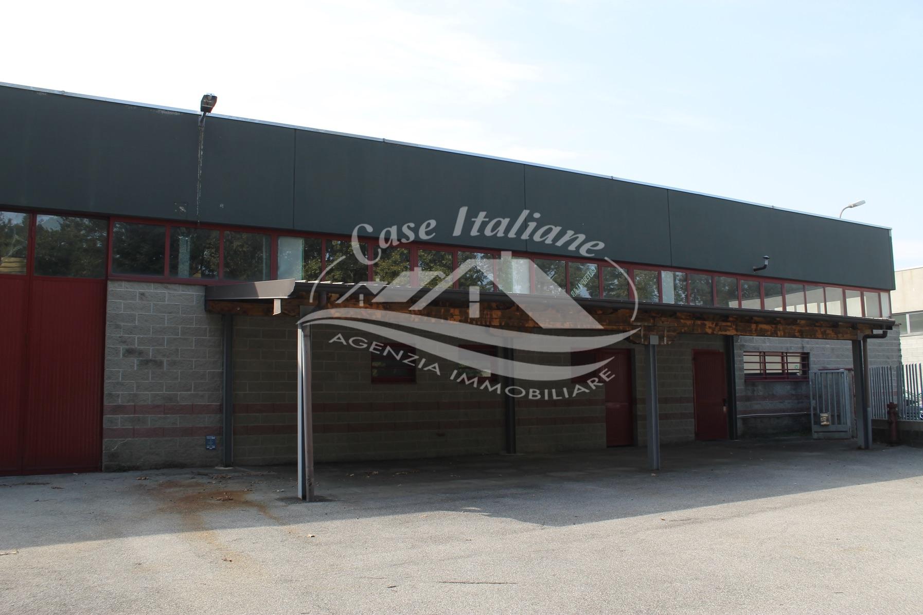 Img 8644 case italiane agenzia immobiliare cant for Case italiane