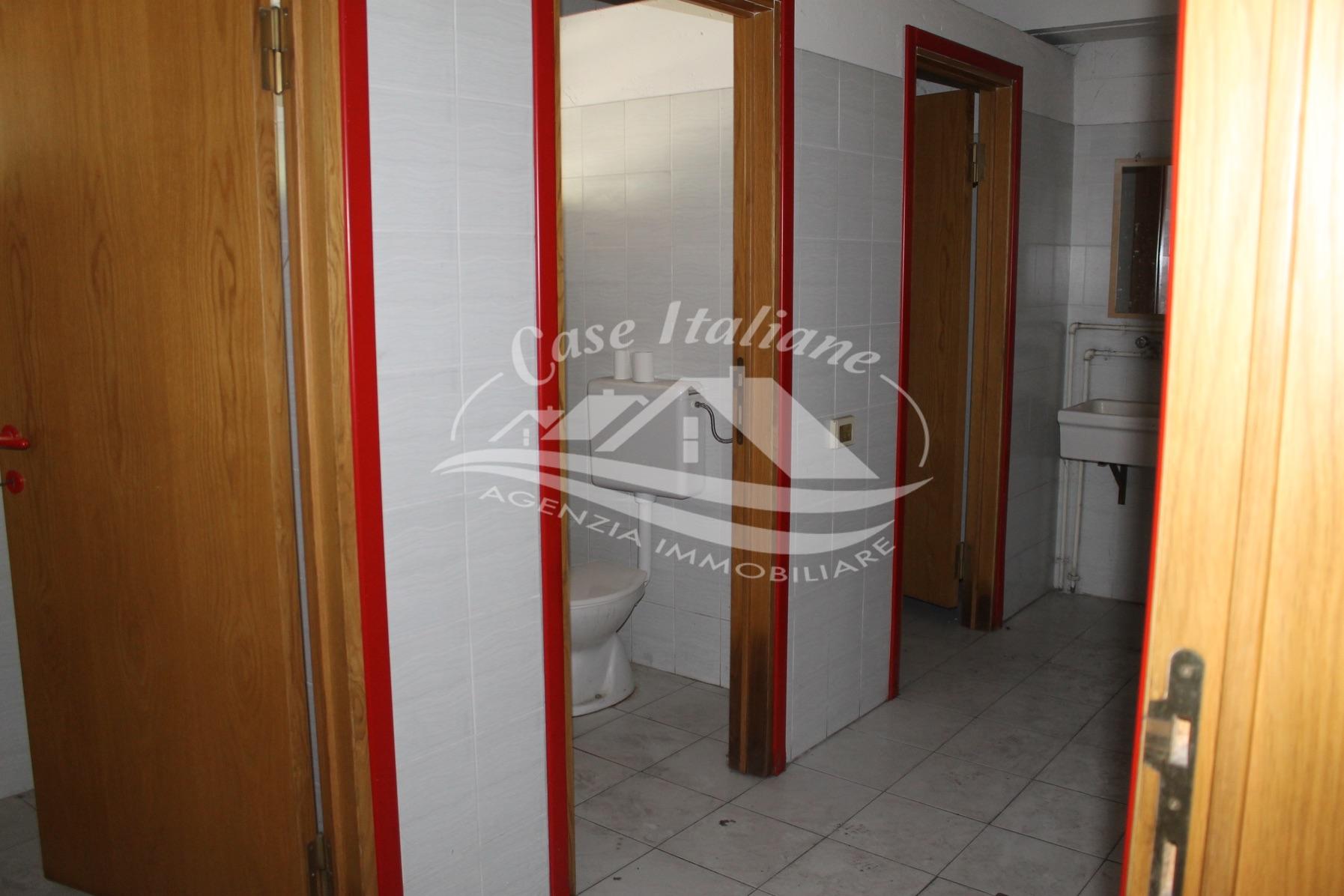 Img 8672 case italiane agenzia immobiliare cant for Case italiane immobiliare