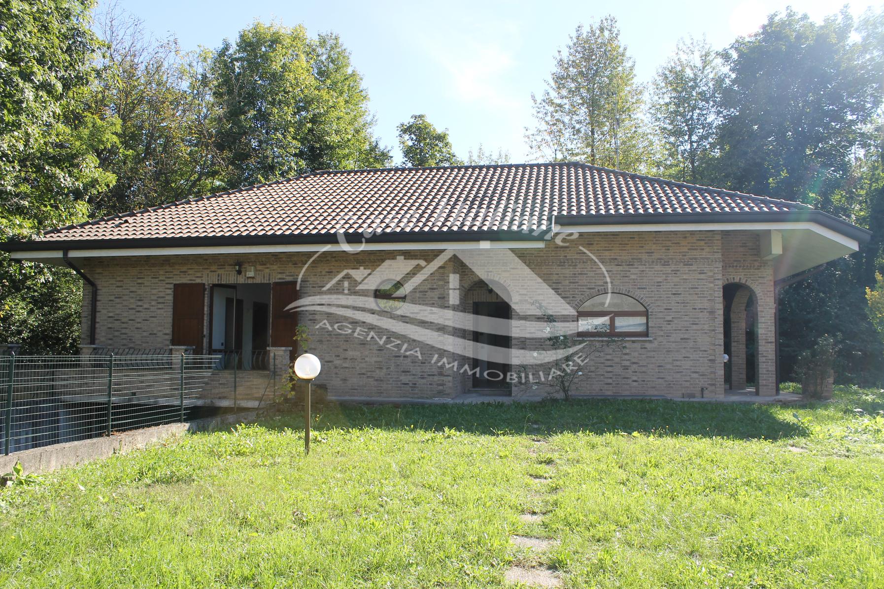 Villa indipendente con giardino a Lentate sul Seveso