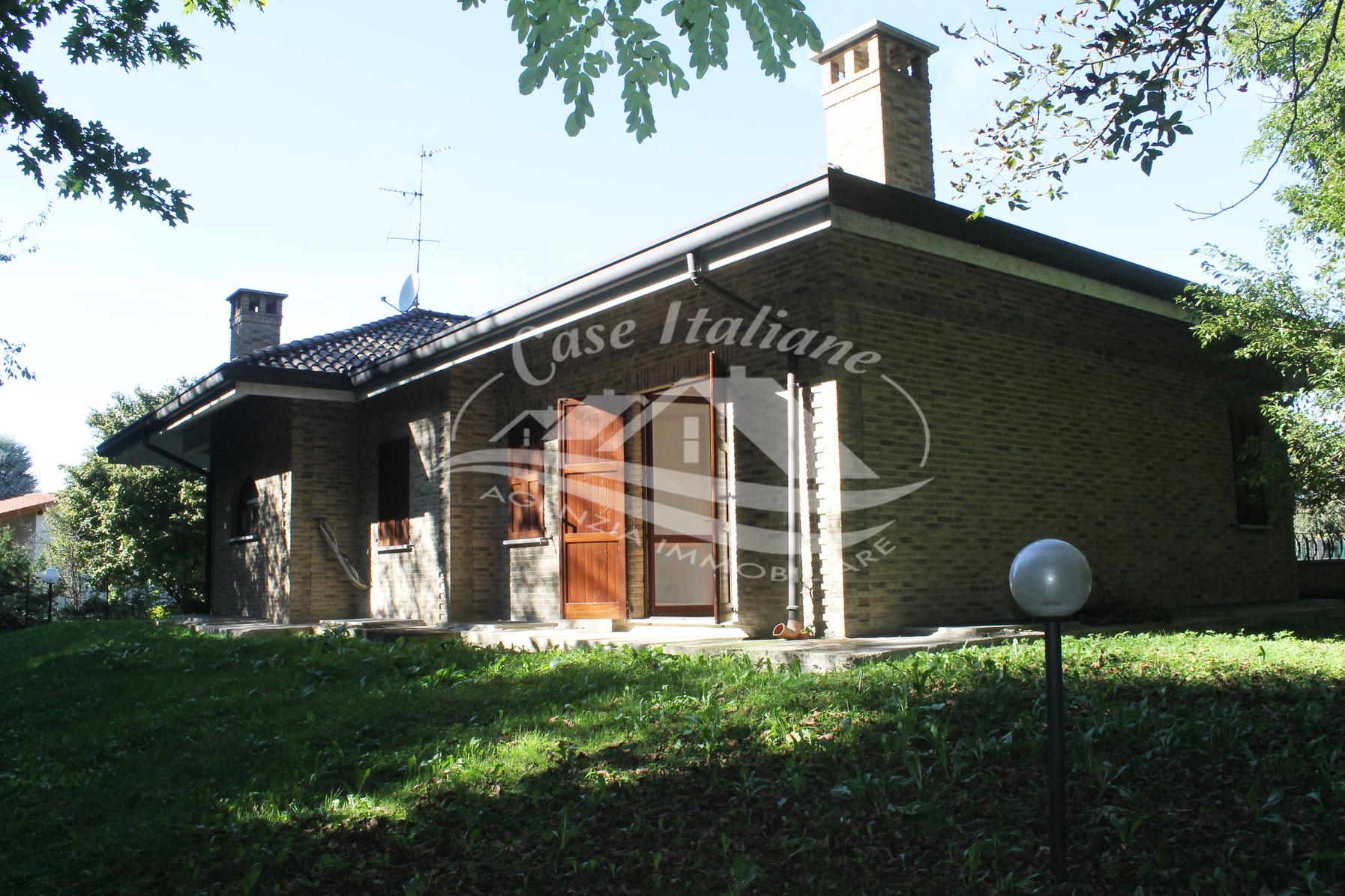 Img 8987 case italiane agenzia immobiliare cant for Case italiane immobiliare