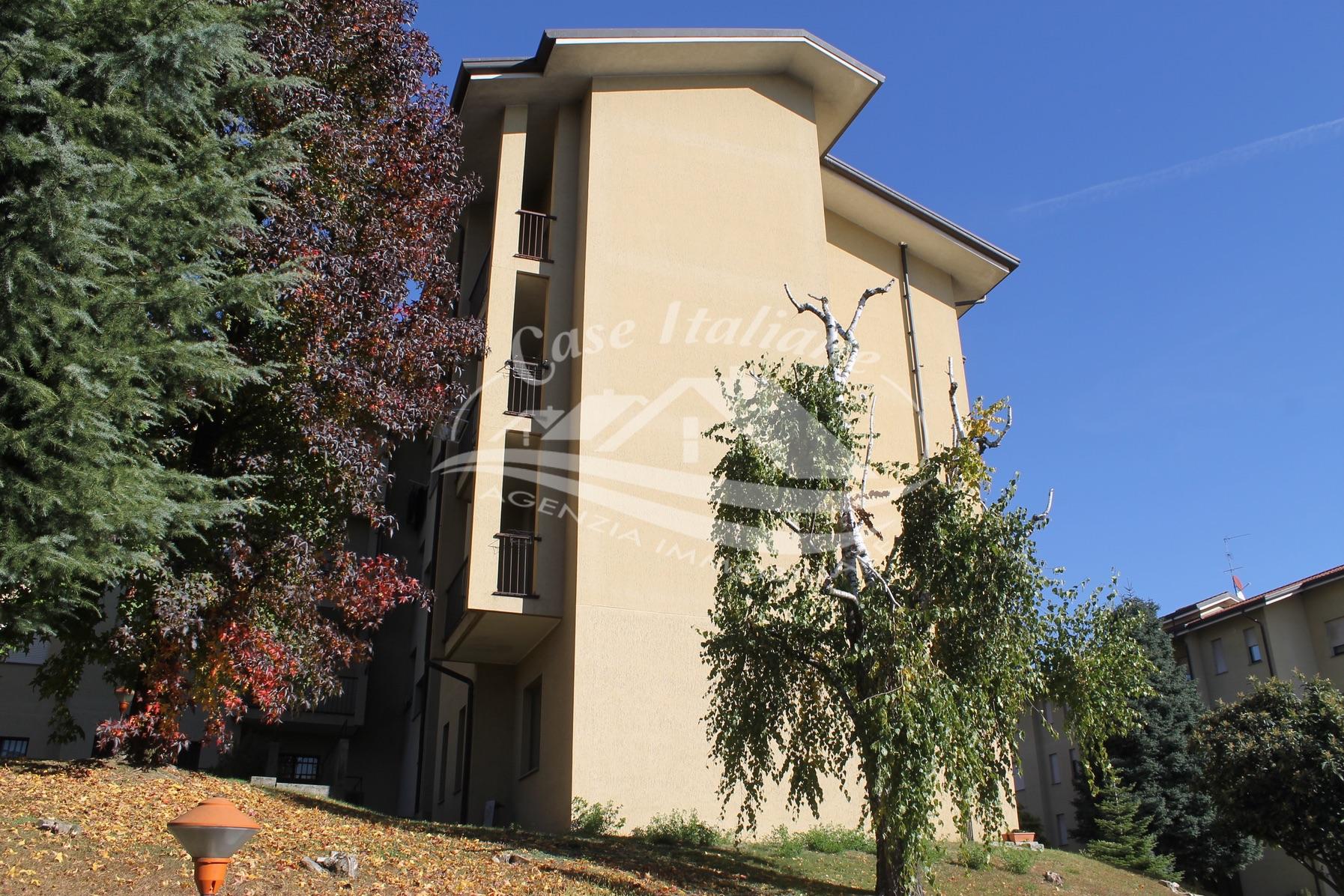 Img 9115 case italiane agenzia immobiliare cant for Case italiane immobiliare