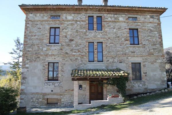 Casale in pietra a Frontino (PU)