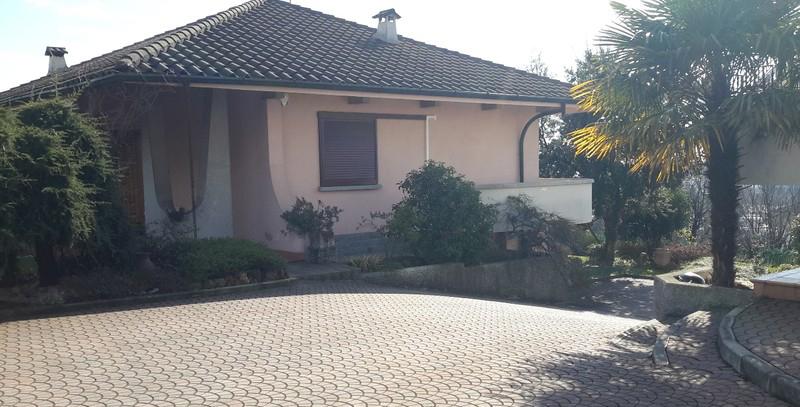 Villa indipendente a Figino Serenza