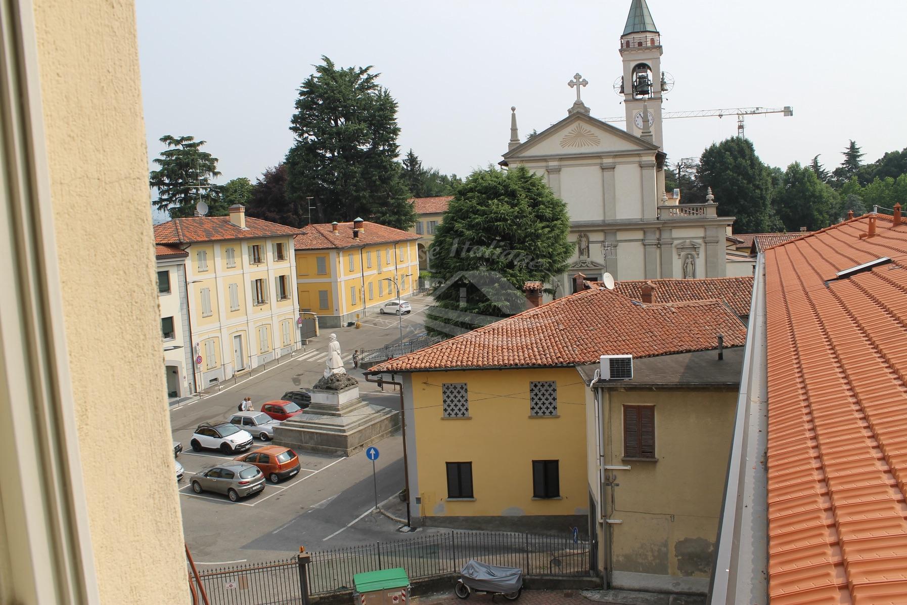 Foto immobili 018 case italiane agenzia immobiliare cant for Case italiane immobiliare