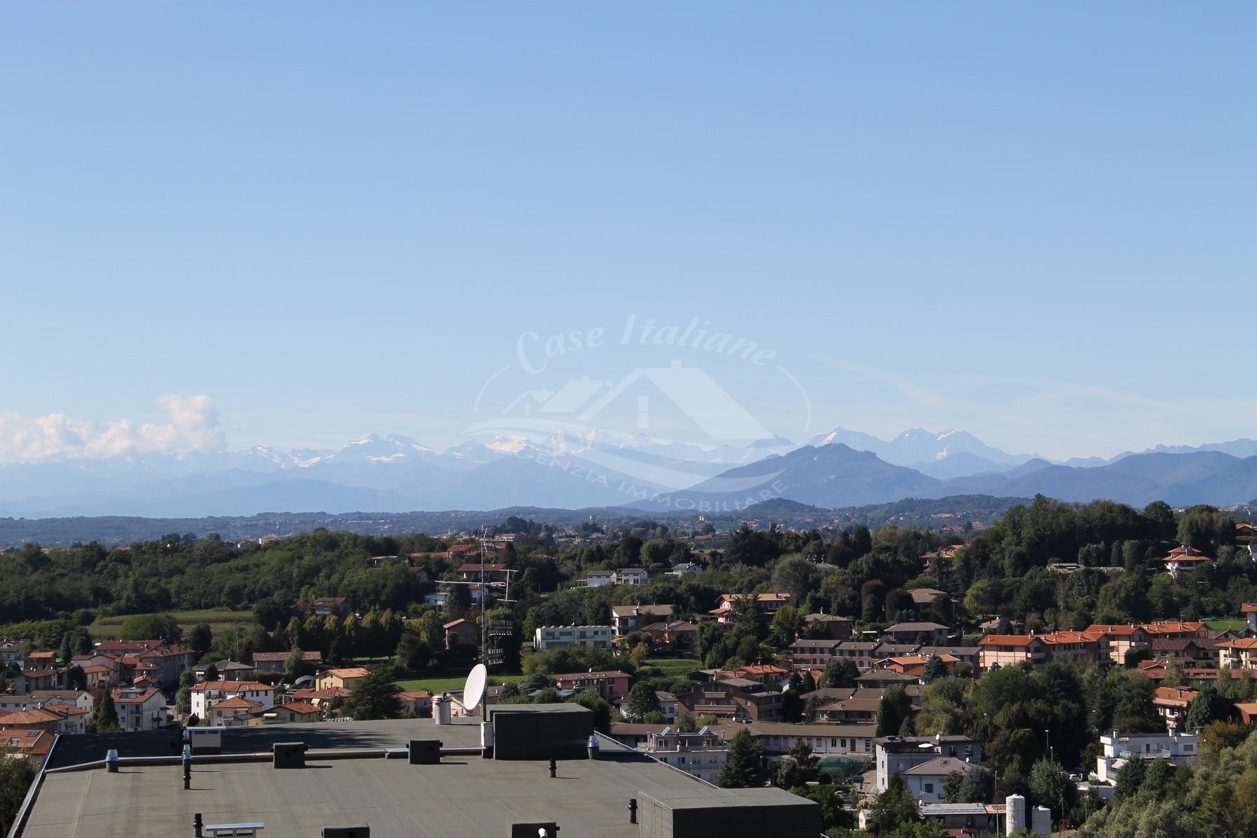 Bilocale a Cantu' con vista panoramica