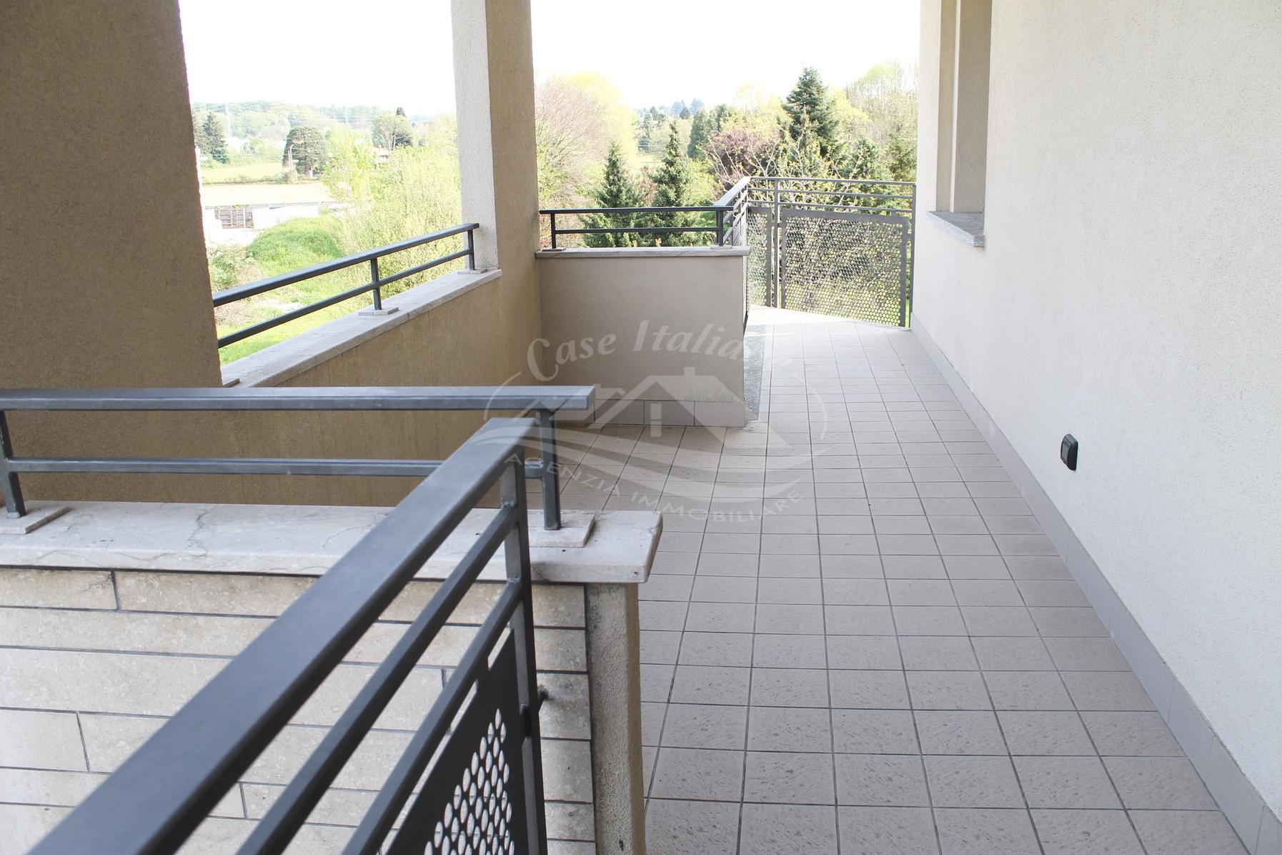 Bilocale con terrazzo a Mariano Comense