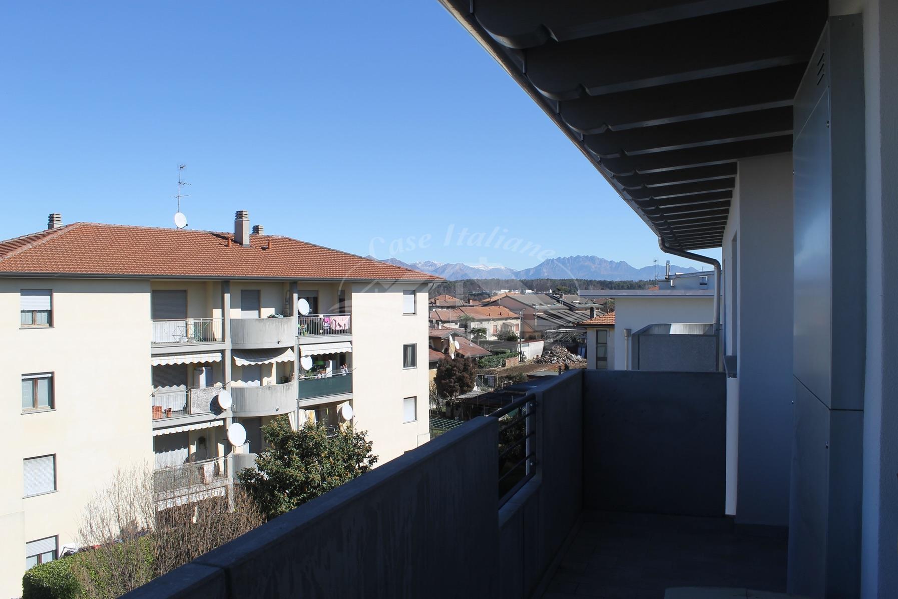Bilocale con terrazzino nuovo a Cantu'