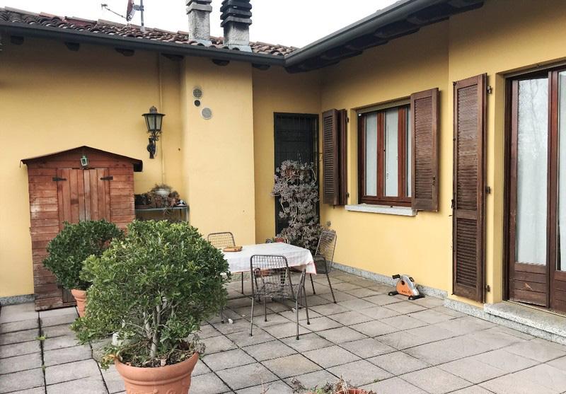 Appartamento con terrazzo a Cascina Varenna di Cantu'