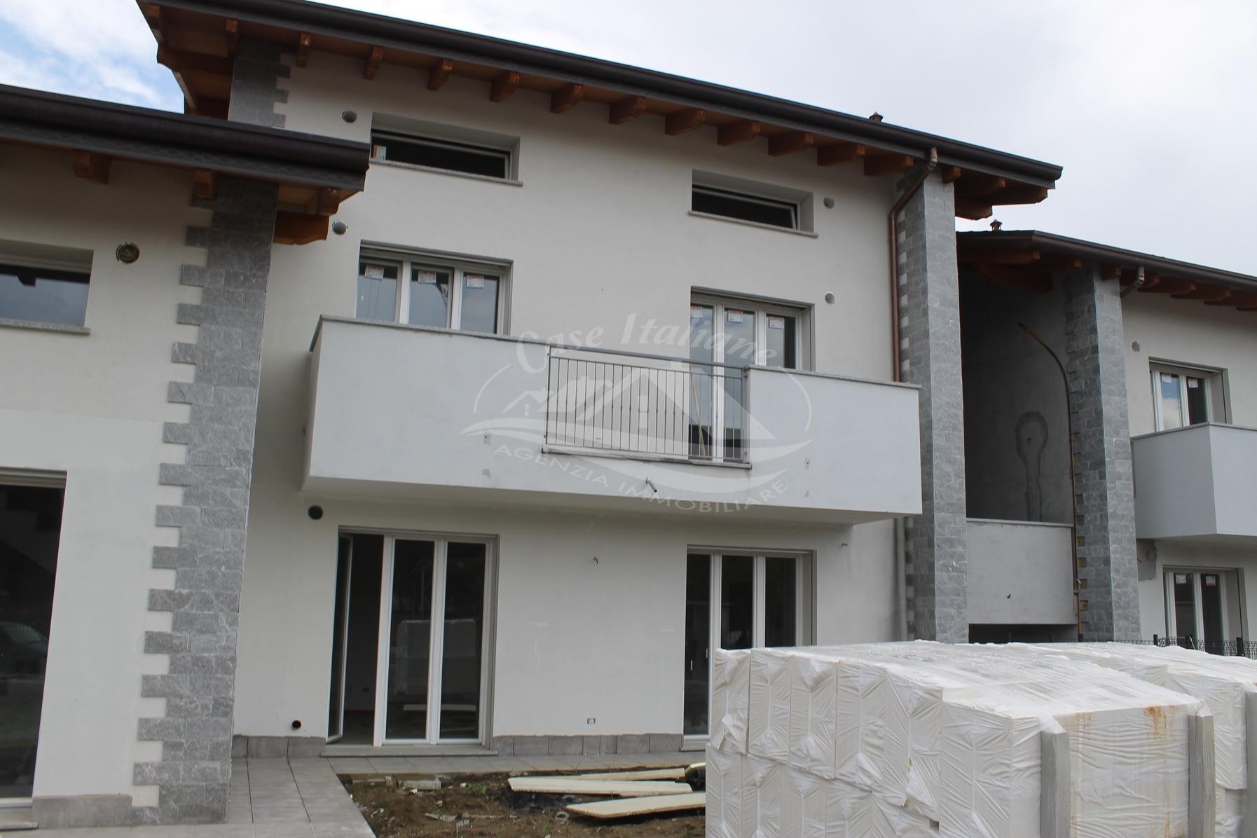Appartamento di 4 locali con mansarda a Cantu'