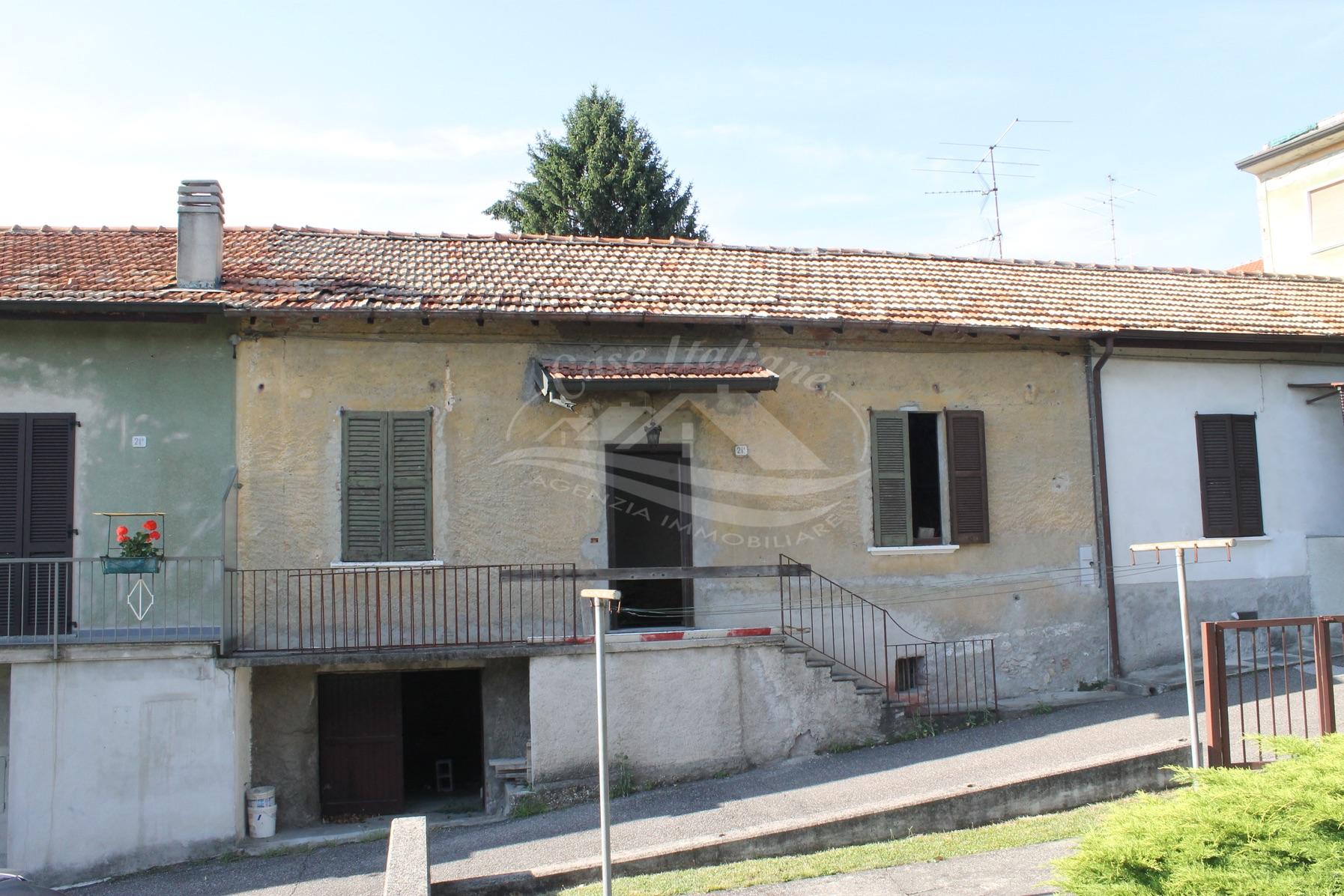 Porzione di casa da ristrutturare a Cantu'