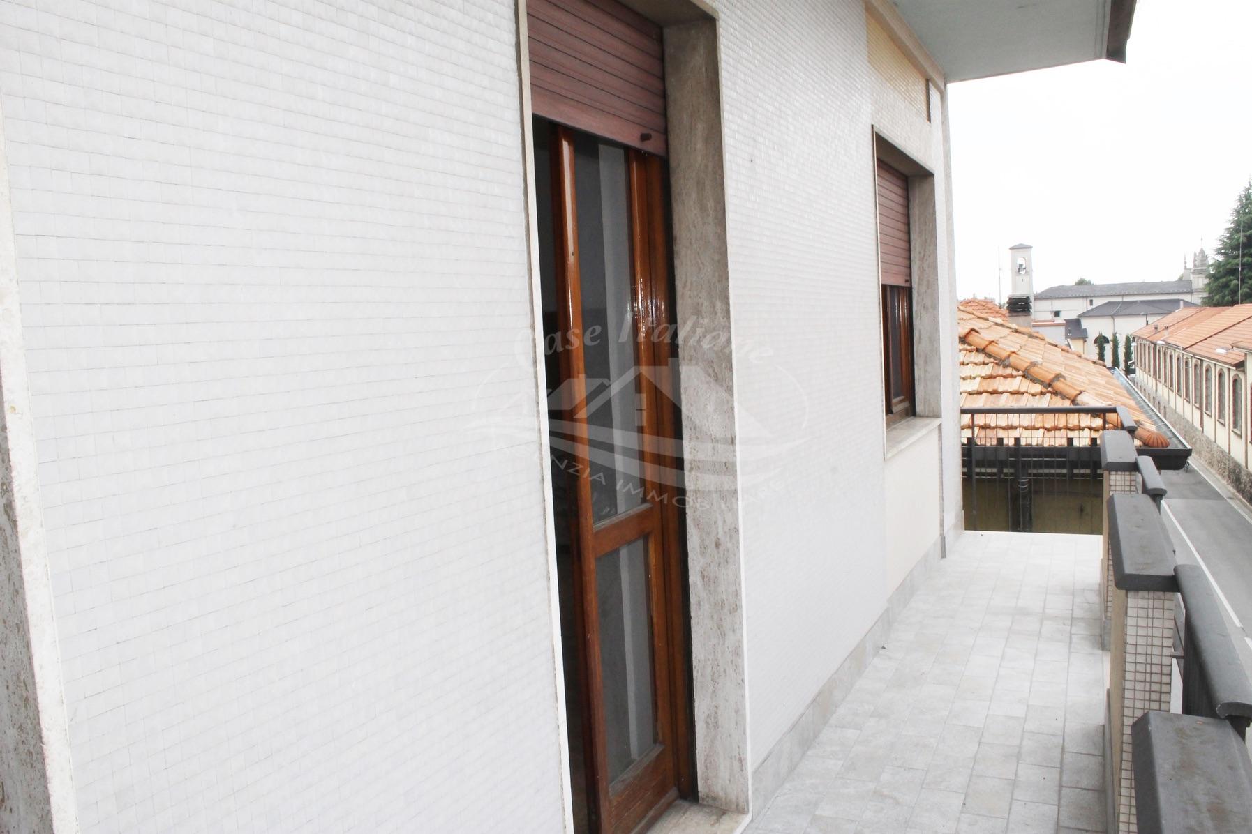 Appartamento di 4 locali a Cantu'