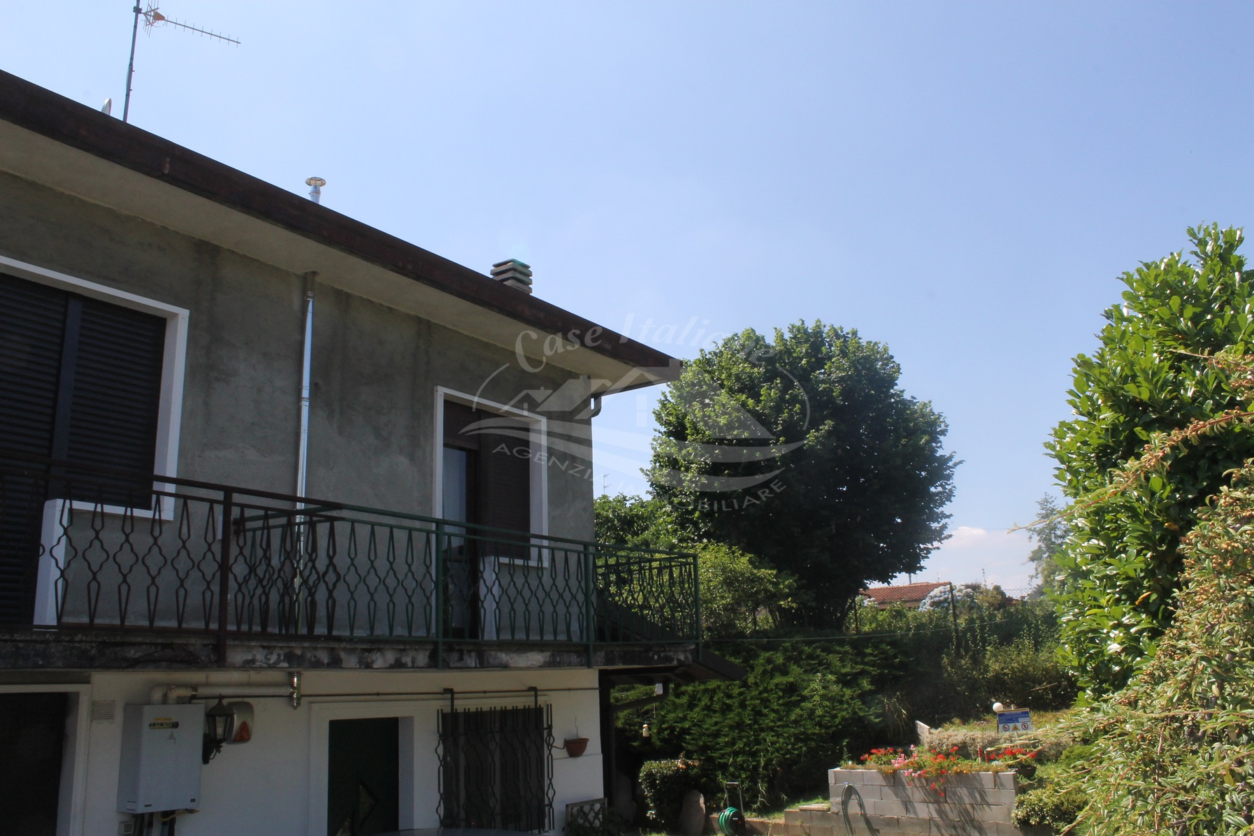 Porzione di casa bifamiliare a Montesolaro