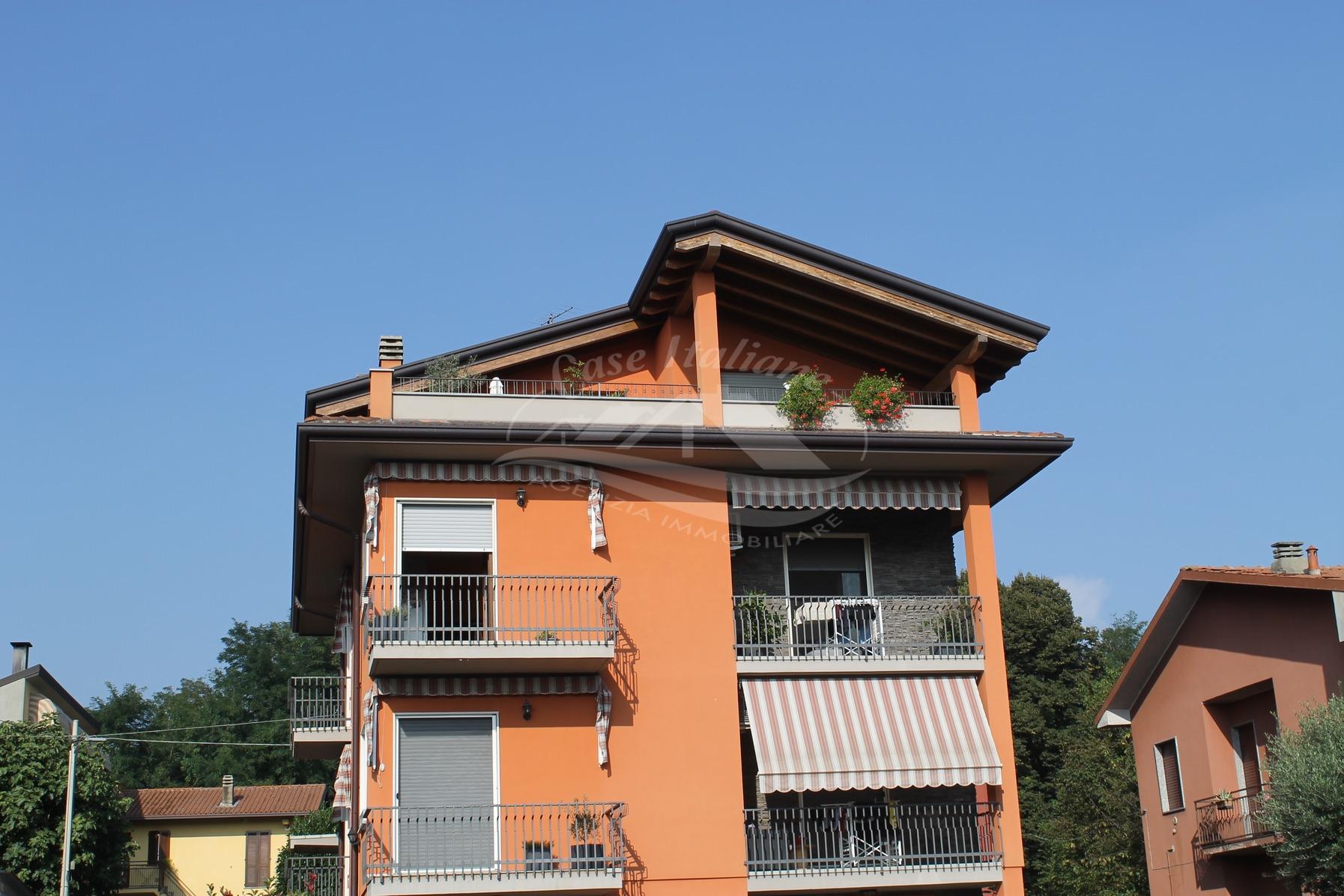 Appartamento ultimo piano con terrazzo a Cantu'