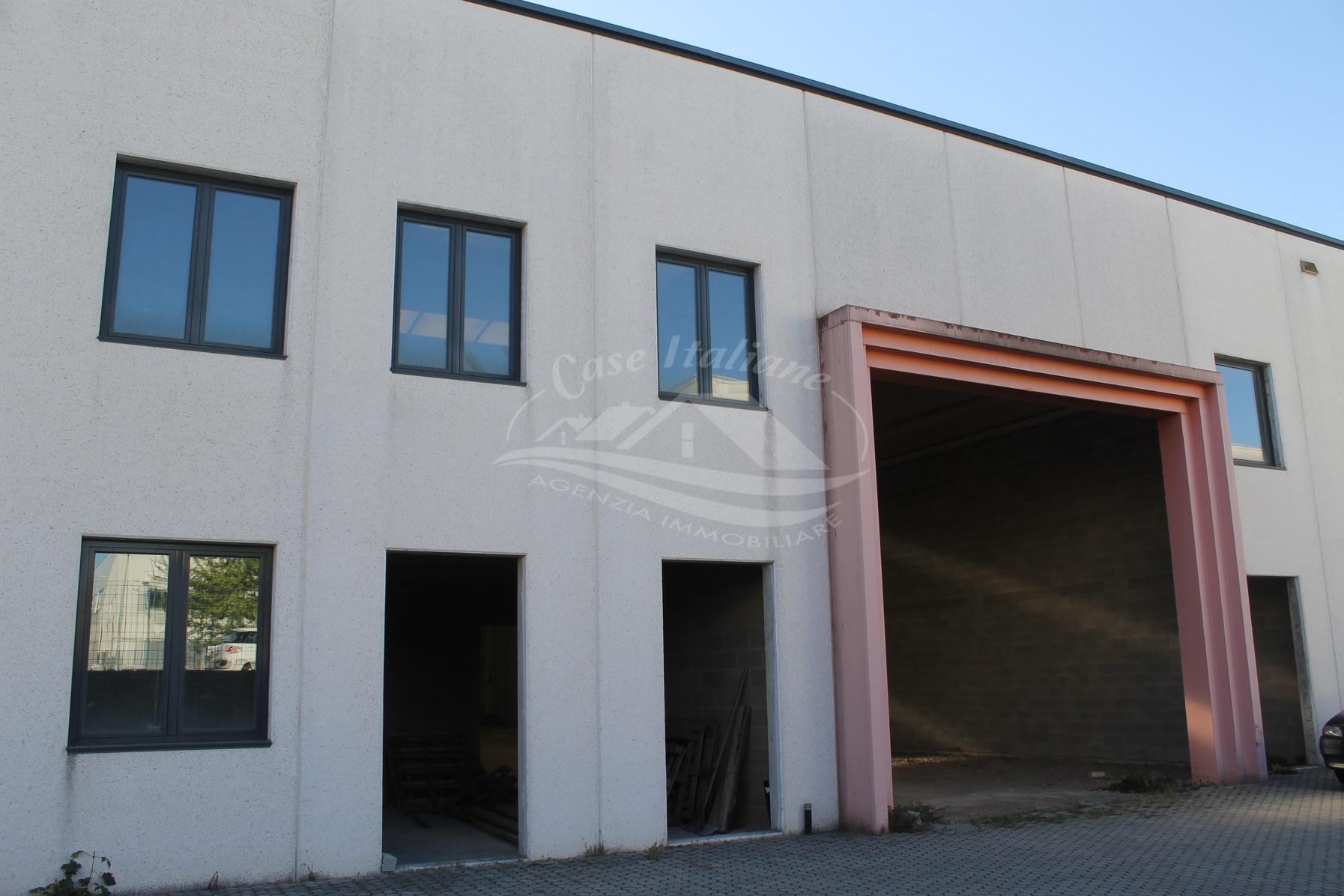 Capannone di nuova costruzione a Cantu'