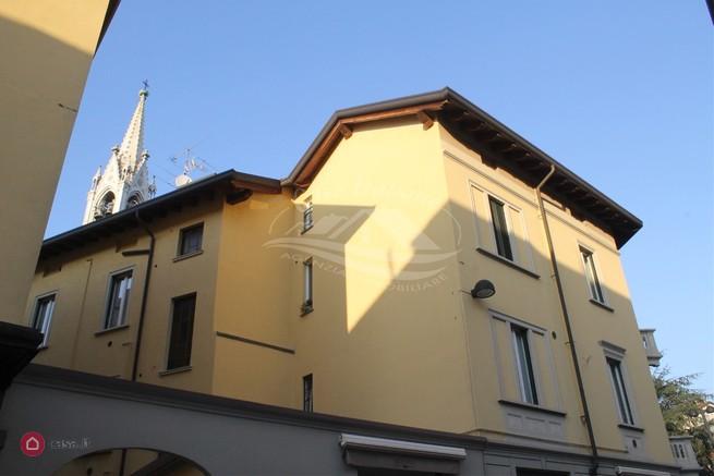 Appartamento in cantu' centro