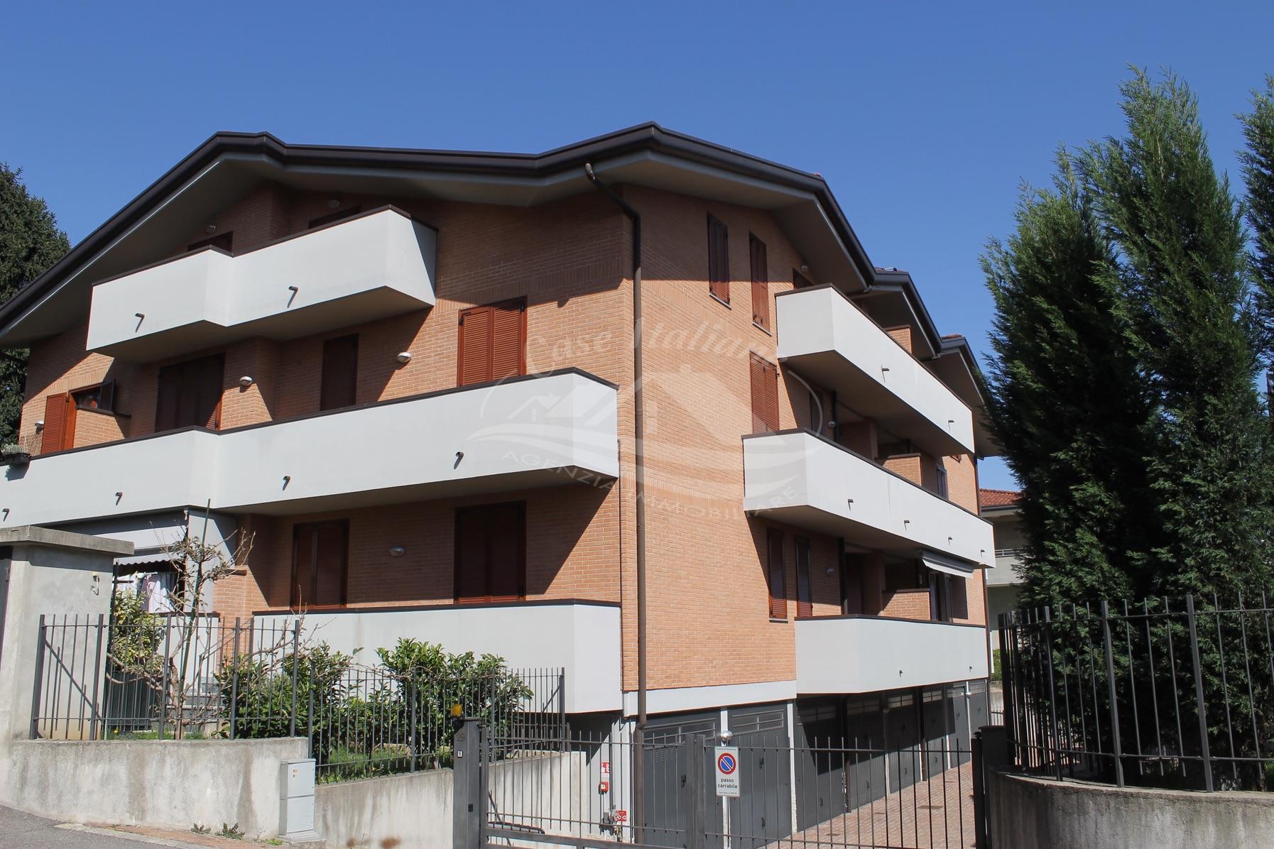 Appartamento con terrazzino a Cermenate