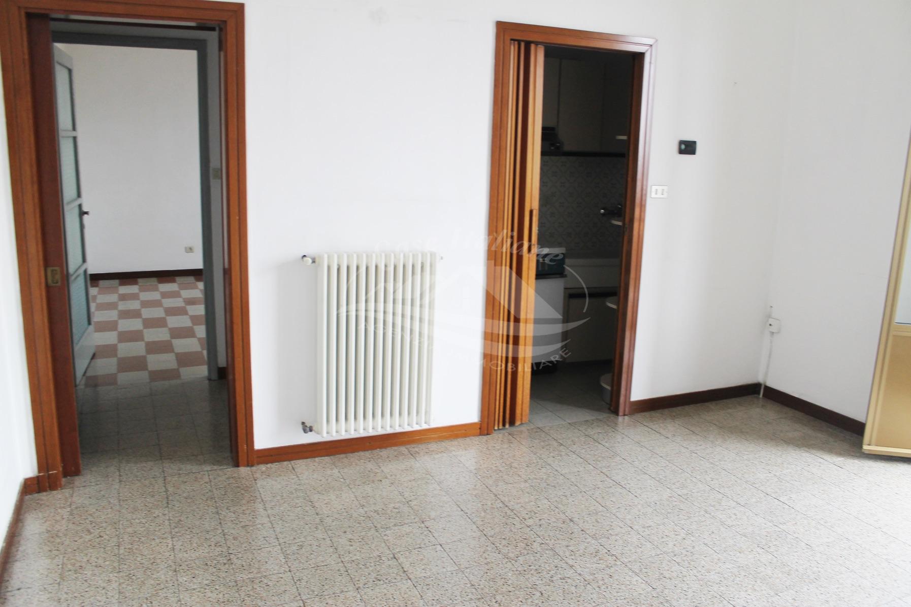 Appartamento con  balcone panoramico a Cantu'