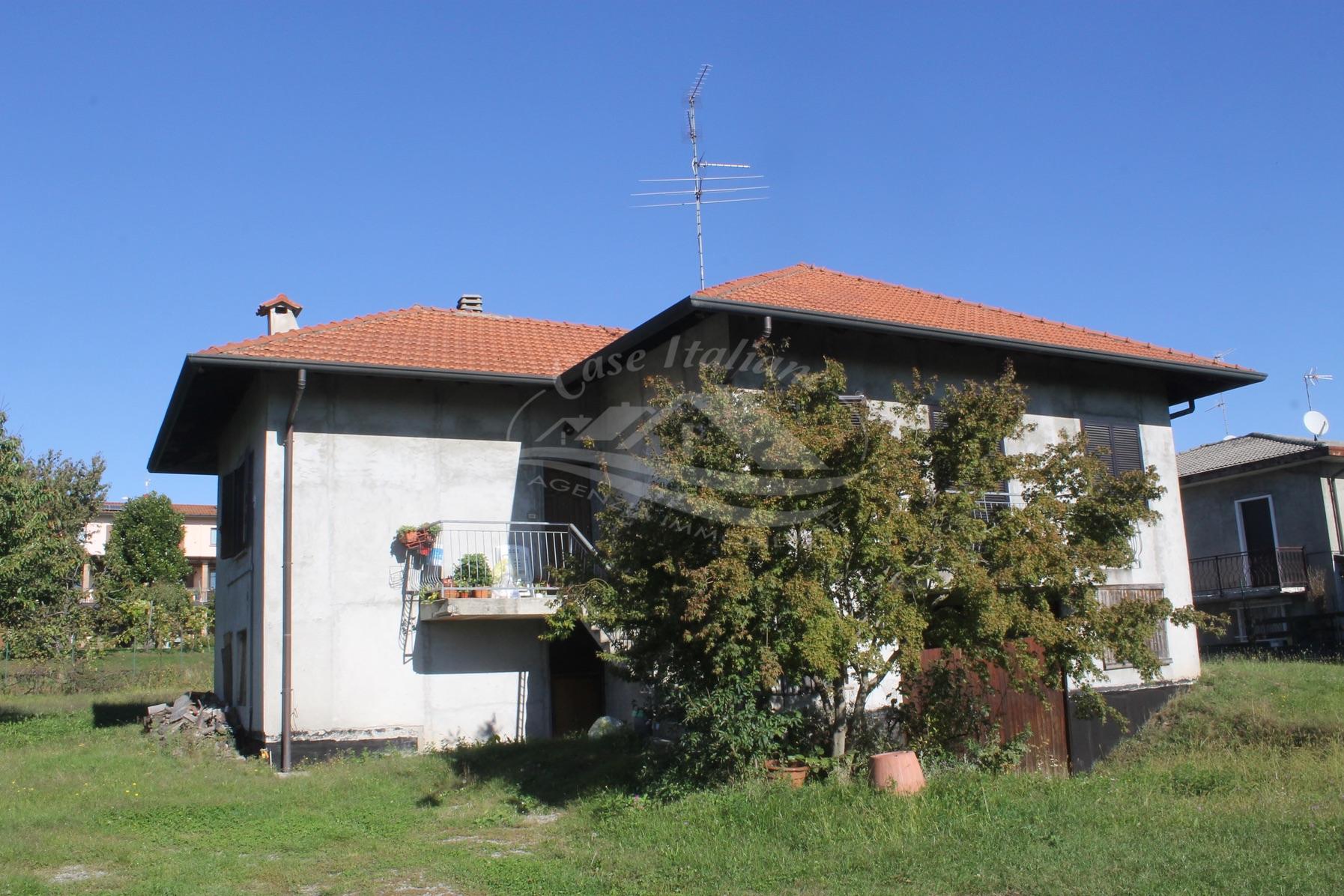 Casa indipendente a Montesolaro con terreno edificabile